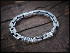 "#""Wolf heads"" bracelet,#silver/Браслет ""головы волков"",#серебро #браслет  #wolf #formen #men #beards #beard #beardlife #jewelry #jewellery #accessories #аксессуары #украшения #украшениядлямужчин #брутал #brutal #jewelryformen #борода #бородач #этно #scandinavian #nordic #thor #север #nord #scandinavian #стиль #styleformen #franguebyzverev"