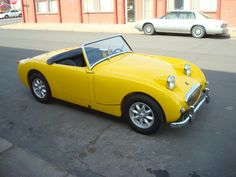 """Austin Healey """"Bug-Eye"""" Sprite 1959. Now this is one cheerful little buggy!"""