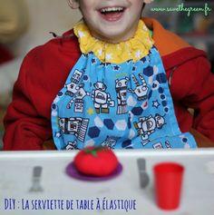 DIY : La serviette de table à élastique pour les enfants. Idéale pour remplacer les bavoirs à la cantine quand votre enfant esttrop grand pour en porter !