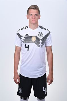 Matthias Ginter of Germany pose for a photo during the official FIFA... Fotografia de notícias - Getty Images Fifa World Cup, Moscow, Germany, Poses, Mens Tops, Portraits, Fotografia, Figure Poses, Head Shots
