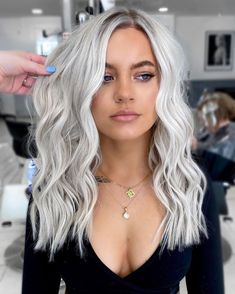 Blonde Hair Looks, Blonde Hair With Highlights, Balayage Hair Blonde, Brown Blonde Hair, Dark Hair, Short Platinum Blonde Hair, Icy Blonde, Short Blonde, Platinum Blonde Hairstyles