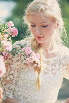 Flowers and Lace ~ Ana Rosa