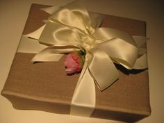 A Gift Wrapped Life - Gifting Tips, Advice and Inspiration: Linen On My Mind