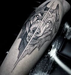 39 new Ideas tattoo geometric wolf design ink Wolf Tattoos, Arrow Tattoos, Feather Tattoos, Animal Tattoos, Leg Tattoos, Tattos, Wolf Tattoo Design, Wolf Design, Men Design