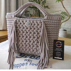 Crochet t-shirt yarn Crochet bag Crochet Backpack, Crochet Tote, Crochet Handbags, Crochet Purses, Crochet Yarn, Crotchet Bags, Knitted Bags, Diy Crafts Knitting, Crochet T Shirts