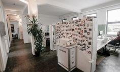 Komplett ausgestattete Büroräume und Arbeitsplätze in Industrieloft-Ambiente #Büro, #Bürogemeinschaft, #Köln, #Office, #Coworking, #Cologne