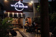 Their outdoor seating has a finely streamlined seating area. Add: Row House 7, Clover Corner, Konark Nagar Rd, Clover Park, Viman Nagar, Pune, Maharashtra. Contact: 020 41242888 #Food #Cafes #FastFood #Beverages #patisserie #WildSugar #CityShorPune