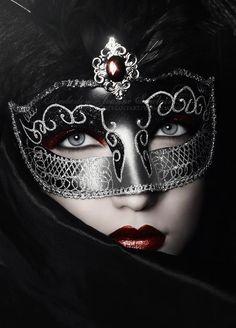 mascaras antifaces masque carnaval masque y masque venitien Creative Portrait Photography, Creative Portraits, Fashion Photography, Erotic Photography, Maskerade Outfit, Costume Venitien, Venetian Masks, Venetian Costumes, Venetian Masquerade