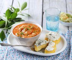 Egy finom Harcsapaprikás kapros-túrós puliszkával ebédre vagy vacsorára? Harcsapaprikás kapros-túrós puliszkával Receptek a Mindmegette.hu Recept gyűjteményében! Polenta, Salsa, Bacon, Curry, Food And Drink, Fish, Ethnic Recipes, Meals, Curries