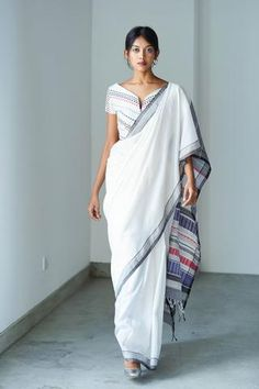 Saree Styles, Blouse Styles, Blouse Designs, Saree Blouse Patterns, Designer Blouse Patterns, Salwar Suit Neck Designs, White Sari, Latest Designer Sarees, Designer Dresses