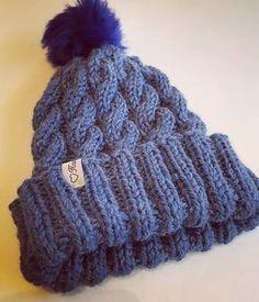 Tämä pipo syntyi viikonloppuna kotitöiden ja leipomisen ohessa. Nyt on paljon neulottu simppeleitä resoripipoja niin puikkoja syyhytti ... Knitted Hats, Knit Crochet, Knitting Patterns, Winter Hats, Tutorials, Fashion, Moda, Knit Patterns, Fashion Styles