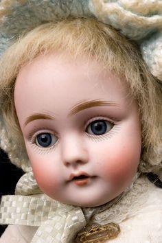http://www.abidolls.com/images/0341c.jpg