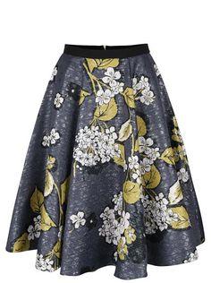 Modrá trblietavá sukňa s kvetovaným motívom Closet