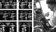 In der Theehandlung Schönbichler findet ihr alles was das Teetrinker-Herz begehrt. Grüntee, Schwarztee, Kräutertees, Früchtetees und eine große Auswahl an Tee-Zubehör. Feinste Spirituosen aus aller Welt gehören traditionsgemäß ebenfalls zum Hause Schönbichler. Wo: Wollzeile 4, 1070 Wien Cold Brew, Kraut, Coffee Bottle, Brewing, Drinks, Heart, Tips, Cooking, Drinking
