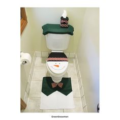 4 Pcs Christmas Santa Bathroom Toilet Seat Cover and Rug Set – Green Snowman Christmas Bathroom Sets, Christmas Home, Christmas Stuff, Old Bathrooms, Christmas Wonderland, Bathroom Toilets, Bath Rugs, Xmas Decorations, Snowman