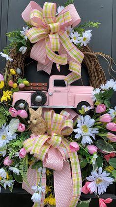 Spring Truck Wreath - Combine Look Wreath Crafts, Diy Wreath, Grapevine Wreath, Initial Wreath, Wreath Ideas, Wreaths For Front Door, Door Wreaths, Ribbon Wreaths, Floral Wreaths
