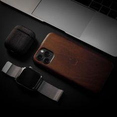 "One Pixel Unlimited on Instagram: ""EDC - 📸 #Leica T - - - #leicacamera #desksetup #apple #fotododia #setupinspiration #minimalist #minimalism #travel #fotografia…"" Leica Camera, Desk Setup, Edc, Apple Watch, Minimalism, Photo And Video, Places, Travel, Inspiration"