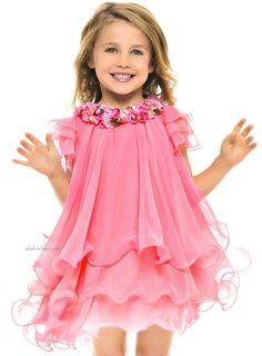 this would be a gorgeous flower girl dress! ALALOSHA: VOGUE ENFANTS: Lesy collection is an injection of pure fashion! Little Girl Outfits, Little Girl Fashion, Little Girl Dresses, Kids Outfits, Kids Fashion, Baby Girl Dresses, Baby Dress, Cute Dresses, Flower Girl Dresses