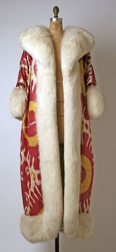 Evening coat Maximilian Date  1966 Culture  American Medium  silk e67bca12a1