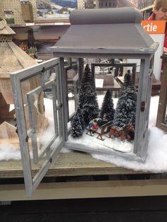 kerstsfeer in een lantaarn