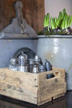 kitchen ideas – New Ideas Old Kitchen, Kitchen Pantry, Kitchen Decor, Kitchen Tools, Kitchen Ideas, Wood Crates, Wooden Boxes, Lunch Room, Kitchen Styling