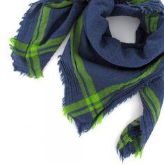 Marc, carré INOUÏ jean et vert http://www.by-johanne.com/foulards-nouveautes/1800-marc-carre-inoui-jean-et-vert.html