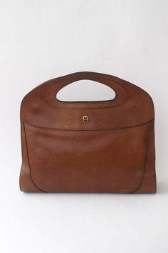 Etienne Aigner Vintage Leather Clutch Italian Leather Handbag Briefcases  Leather Work Bag Weekender Bag Ipad Case Portfolio Case 1d07ccbbf9c