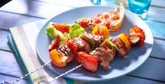Een echte zomerse verrassing: spies met kippenlevertjes, paprika en spek.