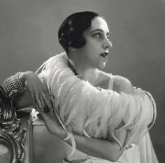 A portrait of Elsa Schiaparelli dated 1932 by George Hoyningen-Huené.