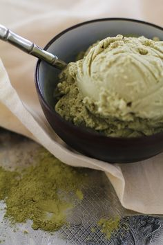 Green Tea Coconut Milk Ice Cream - dairy-free and naturally sweetened | http://www.theroastedroot.net