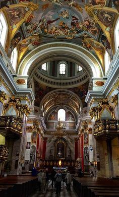 🕍 . . #ljubljanacity #ljubljanamoments #ljubljanacastle #ljubliana #visitljubljana #travel #travelblogger #travelphotography #travel_drops #instatrip #city #castle #historicalplace #archilovers #urban #insta_travel #traveladvisor #travelclub #europetrip #traveladdict #slovenia #slovakiangirl #slovenija #slovakia #cathedral