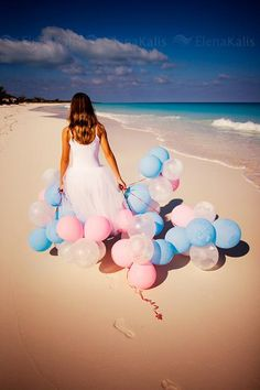 beach and balloons Birthday Girl Pictures, Birthday Photos, Birthday Photography, Beach Photography, Wedding Pics, Wedding Engagement, Pretty Quinceanera Dresses, Love Balloon, Beach Pictures