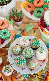 Vibrant Pink & Green Fiesta Birthday Party - Inspired By This succulent cupcakes Taco Party, Snacks Für Party, Party Sweets, Cactus Cupcakes, Succulent Cupcakes, Taco Cupcakes, Summer Cupcakes, Party Cupcakes, Party Stuff