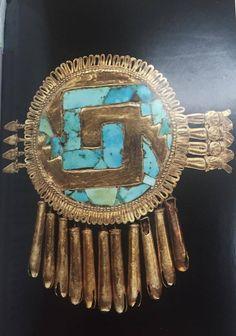 "Pectoral en forma de escudo o ""Chimalli de Yanhuitlán"". Sala: Culturas de Oaxaca."