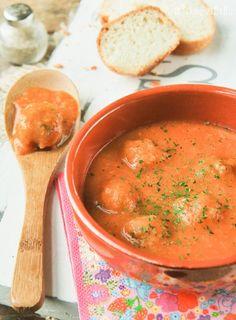 Tomato soup with meatballs (translator on sidebar)