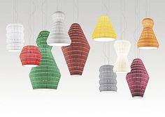 Voluptuosa, poliédrica, irresistiblemente magnética.Layers es una colección de lámparas de techo y suspensiones con estructura metálica recubierta con tejido ignífugo pongé superliso y colocado manualmente, una radiosa deflagración de colores,...