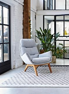 Best Accent Chairs For Living Room Living Room Chairs, Home Living Room, Living Room Designs, Living Room Decor, Cool Furniture, Furniture Sets, Leather Sectional Sofas, Apartment Interior, Designer