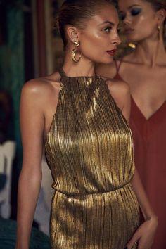Nicole Richie in Gold Lame Nicole Richie, Richie Rich, Patti Hansen, Lauren Hutton, Estilo Art Deco, 70s Fashion, Petite Fashion, Curvy Fashion, Fall Fashion