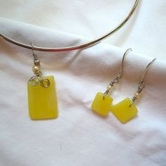 Yellow tumbled glass necklace and earrings