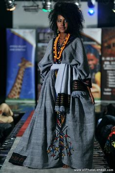 Traditional Wollo Kemis - Ethiopian Dress [I would plotz if I saw someone wearing one here! Do I know any Ethiopian people in African Inspired Fashion, African Print Fashion, Ethnic Fashion, Look Fashion, Fashion Tips, African Prints, High Fashion, Fashion Trends, African Attire