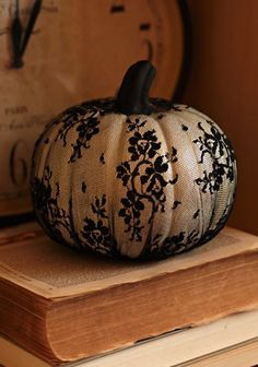 Lacy Pumpkin | 10 Best Halloween Crafts | Camille Styles