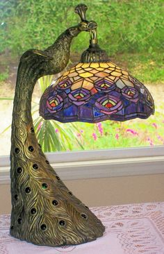 21in tall. Vintage Peacock Base Stained Glass Lamp (mint)