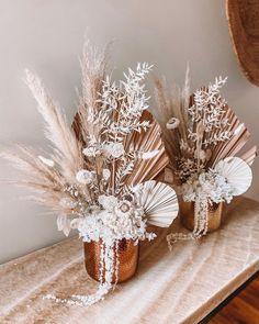 Paper Flowers Diy, Table Flowers, Dried Flower Arrangements, Dried Flowers, Wedding Seating, Wedding Table, Floral Wedding, Wedding Flowers, Fleurs Diy