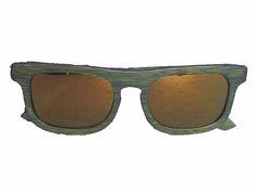 Gafas de madera Wasabi  #soniapew , 100% ecológicas, hechas a mano en madera de bambú, lentes polarizadas-espejadas golden. Hipoalergénicas, resistentes al agua, varilla flex, gafa graduable, ligeras. Se pueden personalizar en la varilla con un mensaje exclusivo del cliente