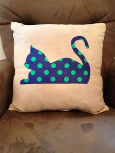 Polka dot Cat Pillow - Navy blue by Grace Allen Cute Pillows, Diy Pillows, Decorative Pillows, Throw Pillows, Fabric Crafts, Sewing Crafts, Sewing Projects, Navy Blue Nursery, Nursery Boy