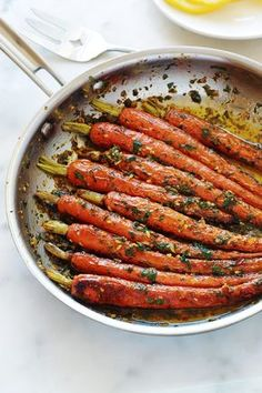 Carrots with chermoula sauce, quick easy recipe Summer Dessert Recipes, Healthy Dinner Recipes, Cooking Recipes, Weight Watchers Meals, International Recipes, Quick Easy Meals, Entrees, The Best, Side Dishes