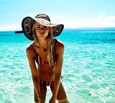 i want a hat like that for the lake season!!