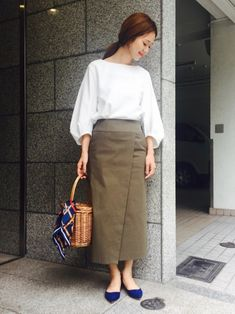 Modest Outfits, Skirt Outfits, Burmese, Fasion, Midi Skirt, High Waisted Skirt, Sewing Patterns, Normcore, Clothes For Women