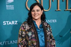 Approve or Disapprove: What 8 famous authors think of fanfiction Outlander Book Series, Starz Series, Outlander Novel, Diana Gabaldon, Jamie Fraser, Scottish Warrior, Lord John, Outlander Season 2, The Fiery Cross