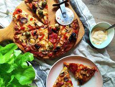 : Bezglutenowa pizza na spodzie z mąką z quinoy Quinoa, Vegetable Pizza, Vegetables, Food, Essen, Vegetable Recipes, Meals, Yemek, Veggies